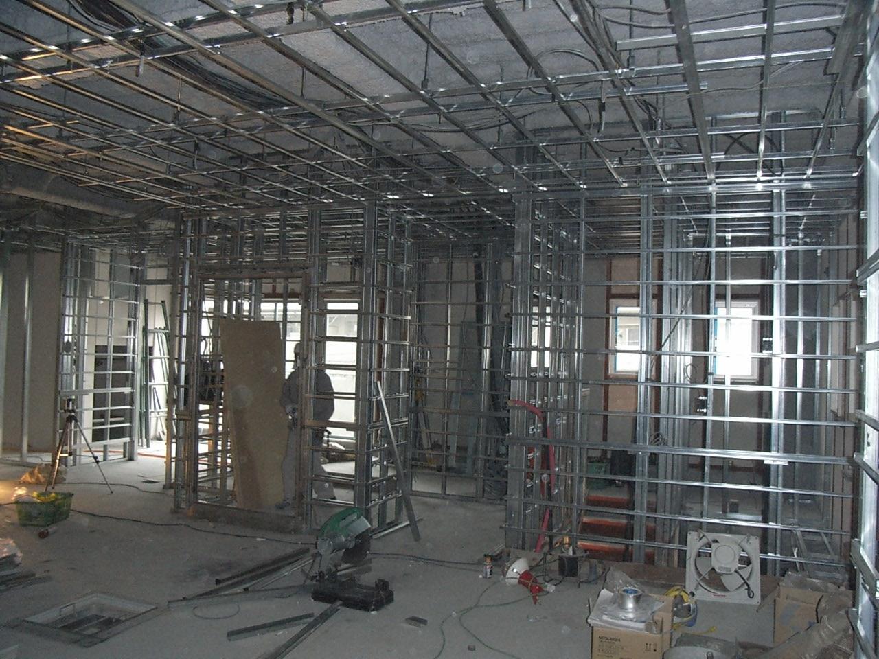 K工場 天井壁施工状況 1