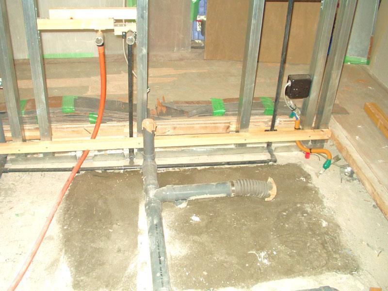 新しい給水給湯 雑排水管です
